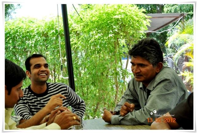 मनस्वी राजन, मीमवरच्या निवांत पोपटाबरोबर